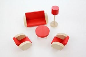 Dřevěný retro nábytek červený